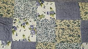 DaDa Bedding Blueberry Patch Reversible Patchwork Plaid Bedspread Quilt Set - Floral Blue Print