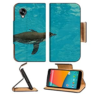 A Penguin Swimming In The Pool 3dcom Nexus 5 Flip Cover Case With Card Holder