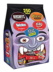 Hershey's Snack Size Halloween Assortment Bag (Hershey's Milk Chocolate, Reese's, Twizzlers, Kit Kat, and Jolly Rancher), 75.7 Ounce
