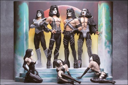 "Mcfarlane Rock 'N Roll Series: Kiss ""Love Gun"" Deluxe Boxed Edition"