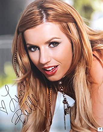 Lexi Belle Autographed 2015 Avn 16x20 Photo Close Up Sexy