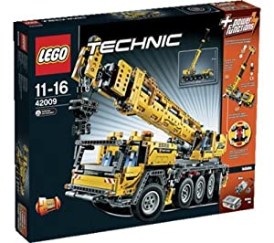 LEGO Technic - MK II mobile crane (42009) -Get ready for the biggest, most complex LEGO® Technic model ever - the Mobile Crane MK II! Drive this 2,606-piece behemoth of a model into position with the cool 8-wheel steering and rotate the superstructure (4