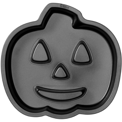 Wilton 2105-0679 Halloween Jack-O-Lantern Fluted Cake Pan (Charlie Brown Cake Pan compare prices)
