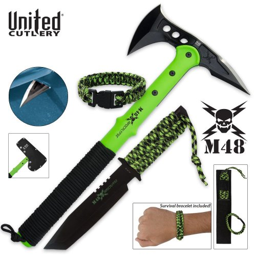 Paracord Survival Knife
