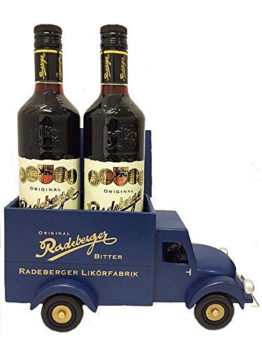 radeberger-krauterlikor-2-flaschen-im-original-radeberger-handgefertigten-holzauto-07-liter