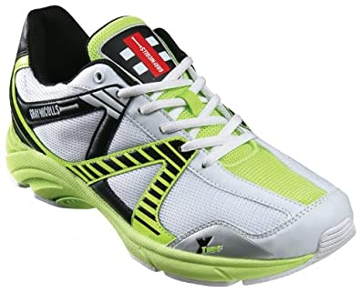 Gray Nicolls Velocity Rubber Junior Cricket Shoes (UK 2)
