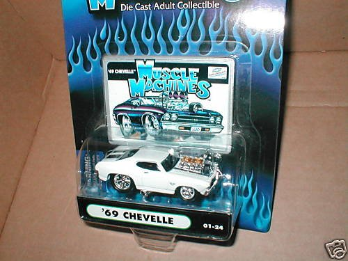 Muscle Machines White 69 Chevelle #01-24 - 1