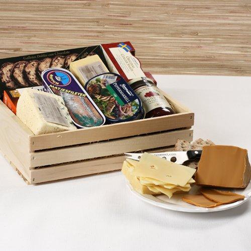 Scandinavian Premier Gift Basket (6.8 pound) by igourmet