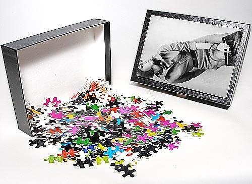 Photo Jigsaw Puzzle of Shirtwaister dress, 1962