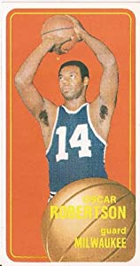 Oscar Robertson Milwaukee Bucks 1970-71 Topps Card #100 Great Condition by Hollywood Collectibles