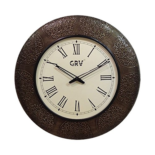 Lifestyle HANDCRAFTED ROUND WHITE METAL CLOCK ON WOODEN BASE