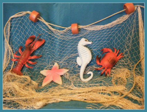 25 X 8 Ft Tan Fish Net With Floats, Lobster, Crab, Starfish And Seahorse front-445973