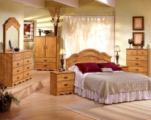 Country Pine Bedroom Set with Dresser