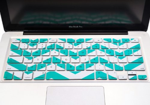 """Topcase Chevron Zig-Zag Silicone Keyboard Cover Skin For Macbook 13"""" Unibody / Macbook Pro 13"""" 15"""" 17"""" With Or Without Retina Display / Wireless Keyboard + Topcase Mouse Pad (Aqua Blue)"""