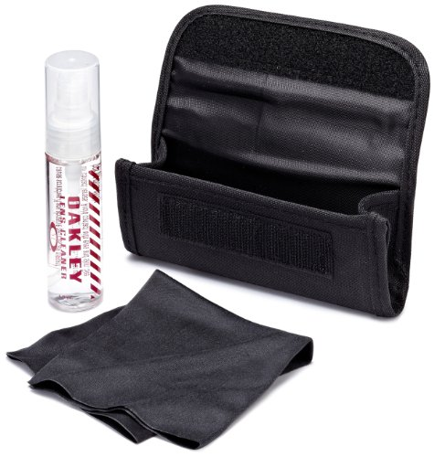oakley-glasses-lens-cleaning-accessory-kit