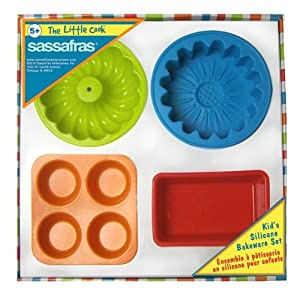 The Little Cook / Child's 4-piece Silicone Bakeware Set