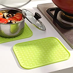 KARP Square Shape Silica Gel Anti Hot Heat Resistant Pot Holder Disc Pads Car Dashboard Anti-Slip-resistant Pad Dining Table Mat Placemat Coasters - Green Color