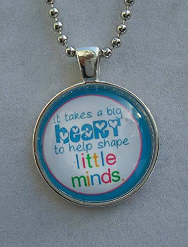 it-takes-a-big-heart-to-help-shape-little-minds-circle-pendant-necklace