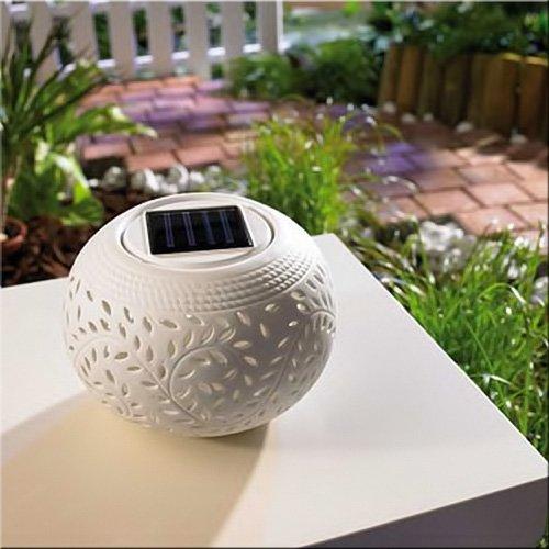 Solarleuchte 'COLOR EFFECT' mit Lichtsensor – Romantische Gartentischleuchte aus feinem Porzellan mit wählbarem Lichteffekt!