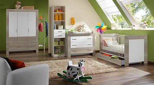 Babyzimmer 4-tlg. in Weiß mit Absetzungen in Eiche-Sägerau Dekor, Schrank 135 cm, Kommode B: 109 cm, Wickelaufsatz B. 74 cm, Babybett 70 x 140 cm jetzt kaufen