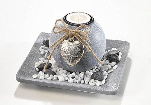 Dekoschale-aus-Holz-mit-einer-Kerze