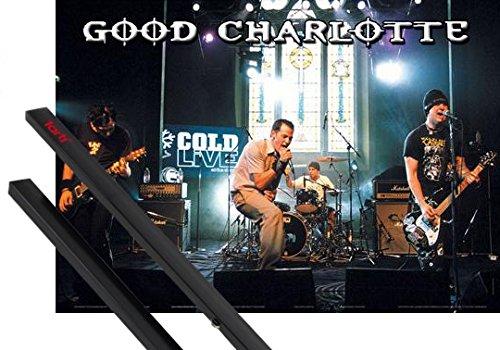 Poster + Sospensione : Good Charlotte Poster Stampa (89x59 cm) Cold Live e Coppia di barre porta poster nere 1art1®