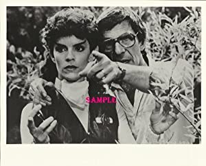 Star Trek Original Series Robin Curtis as Saavik with Director Leonard Nimoy The Search for Spock 8x10 Photo Lithograph STO7746