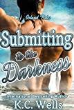 Submitting to the Darkness (Island Tales Book 3) (English Edition)