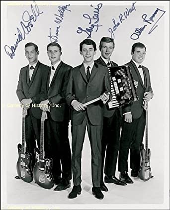 GARY LEWIS AND THE PLAYBOYS - PHOTOGRAPH SIGNED CO-SIGNED BY: GARY LEWIS AND THE PLAYBOYS (GARY LEWIS), GARY LEWIS AND THE PLAYBOYS (JOHN WEST), GARY LEWIS AND THE PLAYBOYS (DAVE WALKER), GARY LEWIS AND THE PLAYBOYS (DAVID COSTELL), GARY LEWIS AND THE PLAYBOYS (ALLAN RAMSEY)