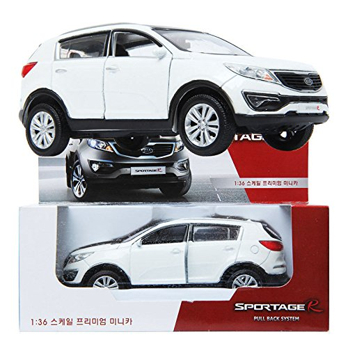 kia-sportage-r-2013-diecast-white-136-front-door-pul-back