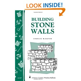 Building Stone Walls: Storey's Country Wisdom Bulletin A-217 (Storey Country Wisdom Bulletin)