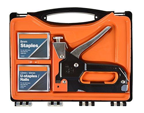 grapas-y-pistola-de-clavos-en-una-heavy-duty-kit-de-herramientas-incluyendo-funda-de-transporte-y-gr
