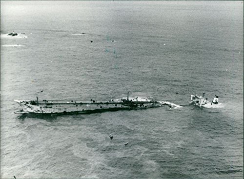 vintage-photo-of-an-aerial-view-of-the-stricken-supertanker-amoco-cadiz-during-oil-spill-disastertak