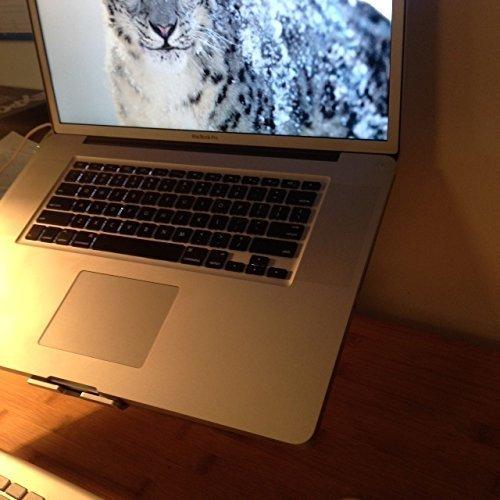 Apple Macbook Pro quad-core Intel Core i7 2.3GHz 4GB 750GB DVDRW BT Radeon HD 6750M 17 WebCam MAC OS X v10.7 Li-Ion MD036LL/A