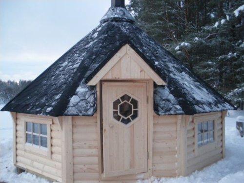 Eine Sauna im Garten