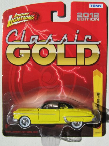 Johnny Lightning R21 Classic Gold 1950 Oldsmobile 88 Yellow/Black Roof - 1