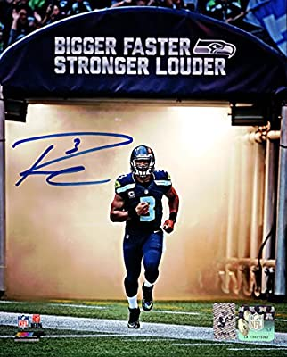 Russell Wilson Autographed 8x10 Photo Seattle Seahawks
