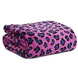 Gorgeous Vera Bradley Throw Blanket in Leopard Spots
