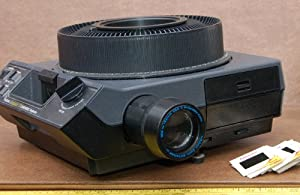 Kodak Carousel Medalist II 35mm Slide Projector w/View Screen