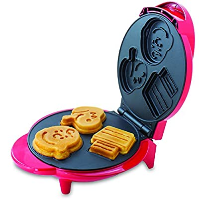 Smart Planet WM6S Peanuts Snoopy and Charlie Brown Waffle Maker, Red from Smart Planet