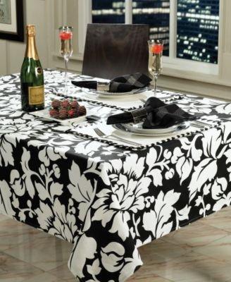 badgley-mischka-bridgette-black-and-white-floral-cloth-napkins