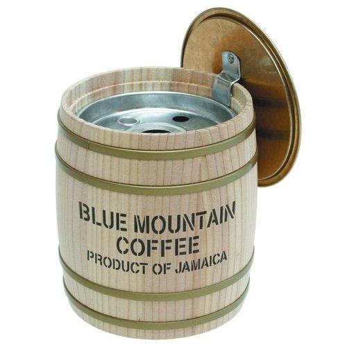 フタ付きがうれしい<br/>手入れが楽な木樽の灰皿