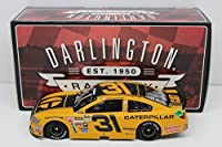 Lionel Racing Ryan Newman #31 Caterpillar Darlington ARC HOTO 2015 Chevy SS NASCAR Diecast Car (1:24 Scale)