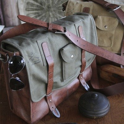 parson-gray-gunnery-field-sling-messenger-bag-olive-waxed-canvas-leather