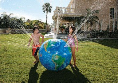 Discovery Kids Outdoor Sprinkler Globe front-929259