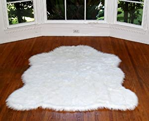 2'x4' Faux Fur Accent Rug / Off White / Bear Skin / Sheepskin / Area Carpet / New