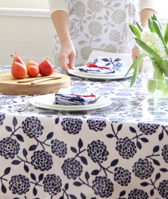 Dandi 10 seater oilcloth tablecloth hydrangea navy for 10 seater table cloth