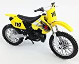 SUZUKI RM 250 Motocross Bike (2-STROKE) Die Cast Toy Model 1:18 by Maisto