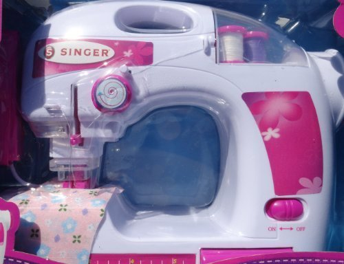 Singer Deluxe Toy Chainstitch Sewing Machine (Singer Sewing Machine Girls compare prices)