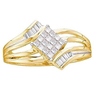 0.25 Carat (ctw) 14K Yellow Gold Round & Princess Cut White Diamond Cluster Flower Engagement Ring 1/4 CT